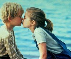 film_kisses_15_wenn2276641_thumb