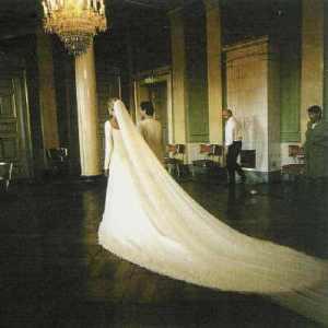 2001-08-25--SideView--silkehusetdotdk